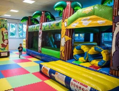 Happy Planet Aps, sala per feste di compleanno con gonfiabili e giochi per bambini da 0 a 13 anni – Ancona