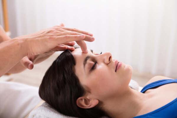 mal-di-testa-chiropratica